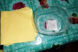 Пластиковая тара и бумажные салфетки
