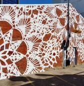 Кружевное граффити: утонченный облик улиц